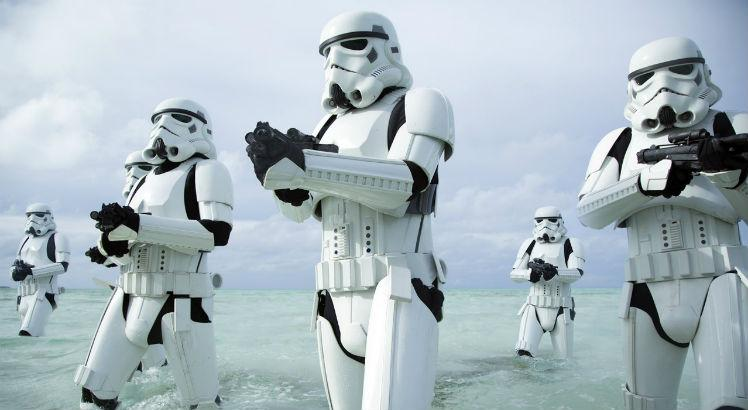 rogueone-gallery-stormtroopers-beach_09ef96a4