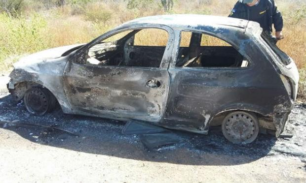 Carro foi encontrado no Parque Eólico da Serra do Tará / Foto: Blog Agreste Violento